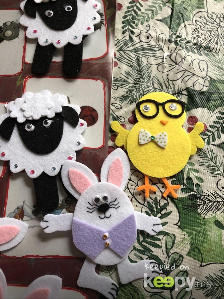 Felt bunny's chicks and lambs
