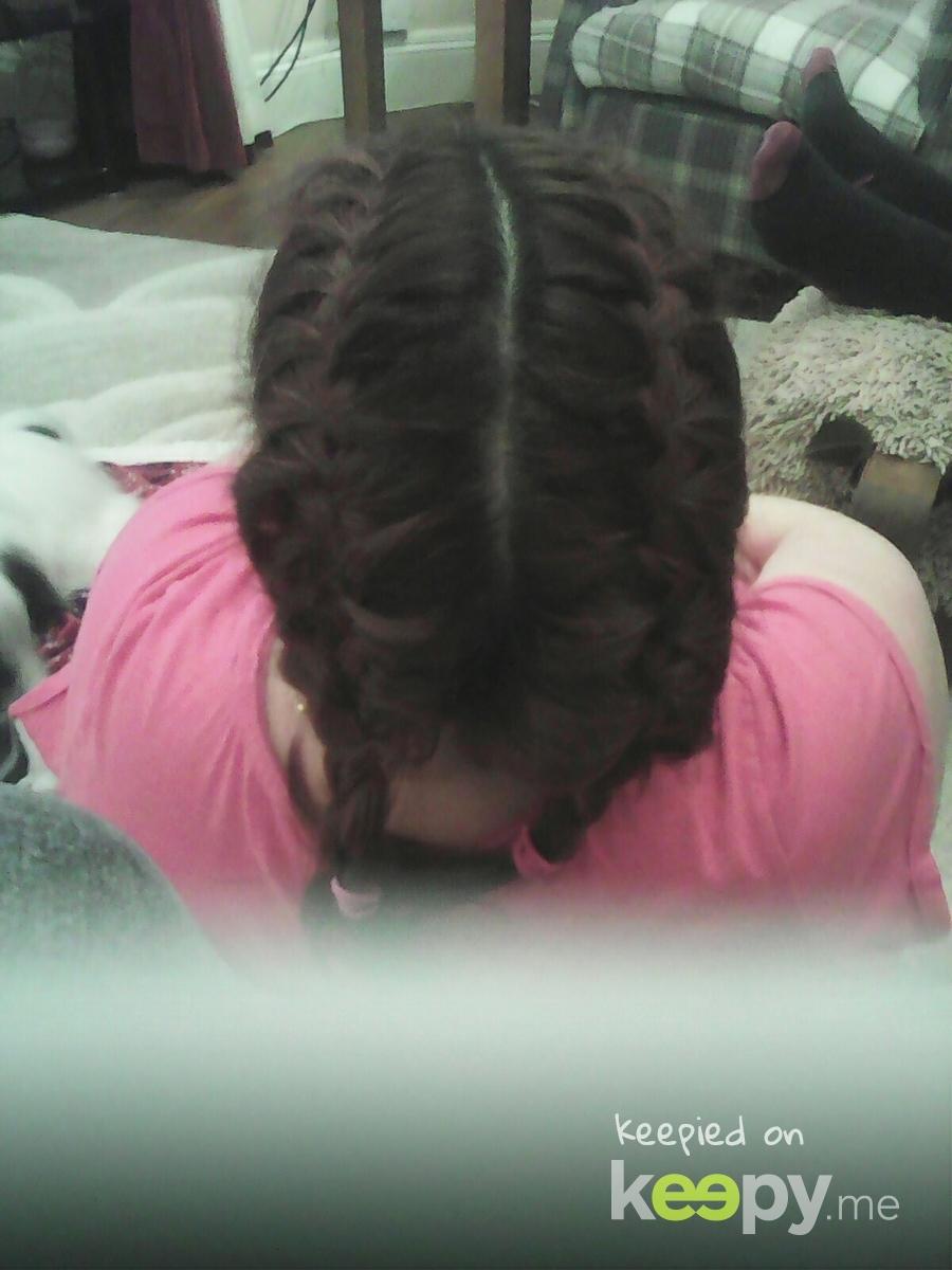 doing Mandy's hair lol