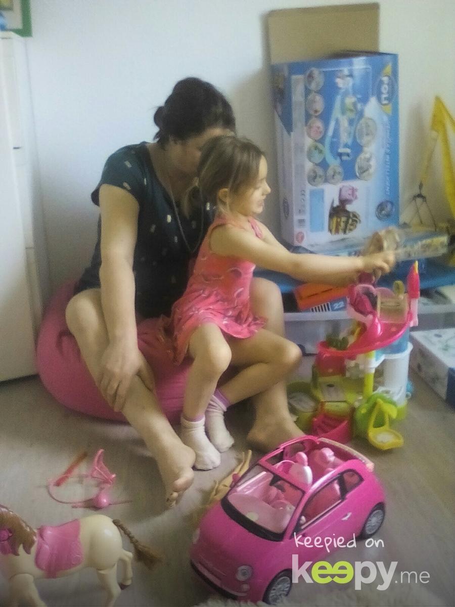 Elisa and mama playing together » Keepy.me